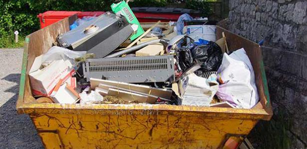 Entrümpelung und Container Dienst zum Festpreis